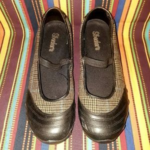 Skecher's Brown Sports Shoes
